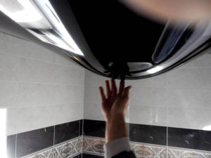 пузырь натяжной потолок