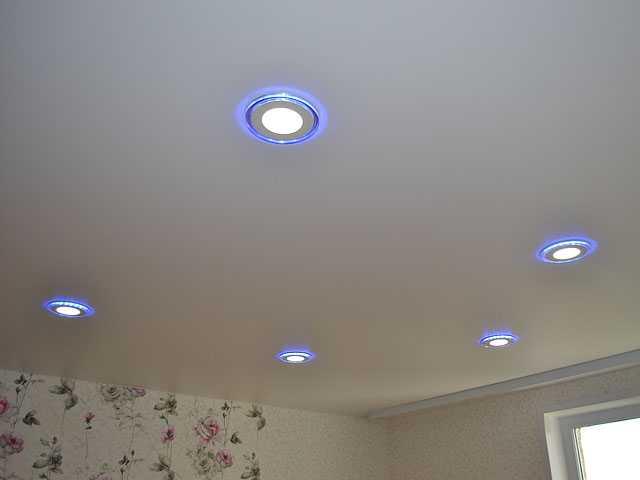 ремонт проводки, замена светильников в натяжном потолке