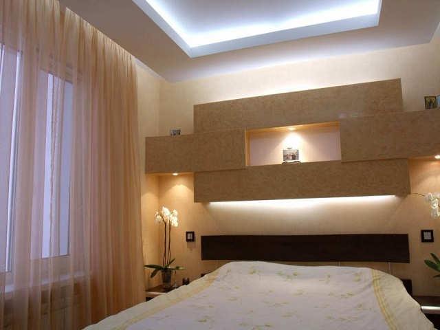гипрочный потолок в спальне